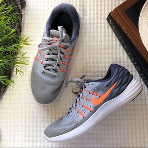 Nike Gray + Orange Sneakers Size 9